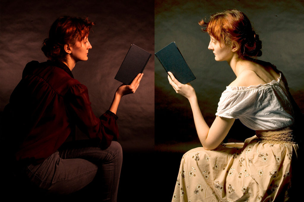 2 women Reading books